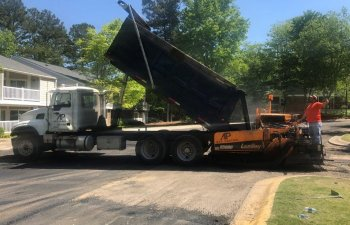 asphalt drive and parking lot repair and resurfacing