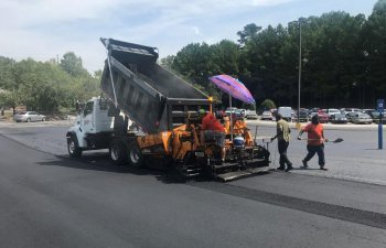 commercial drive and parking lot asphalt repair and resurfacing